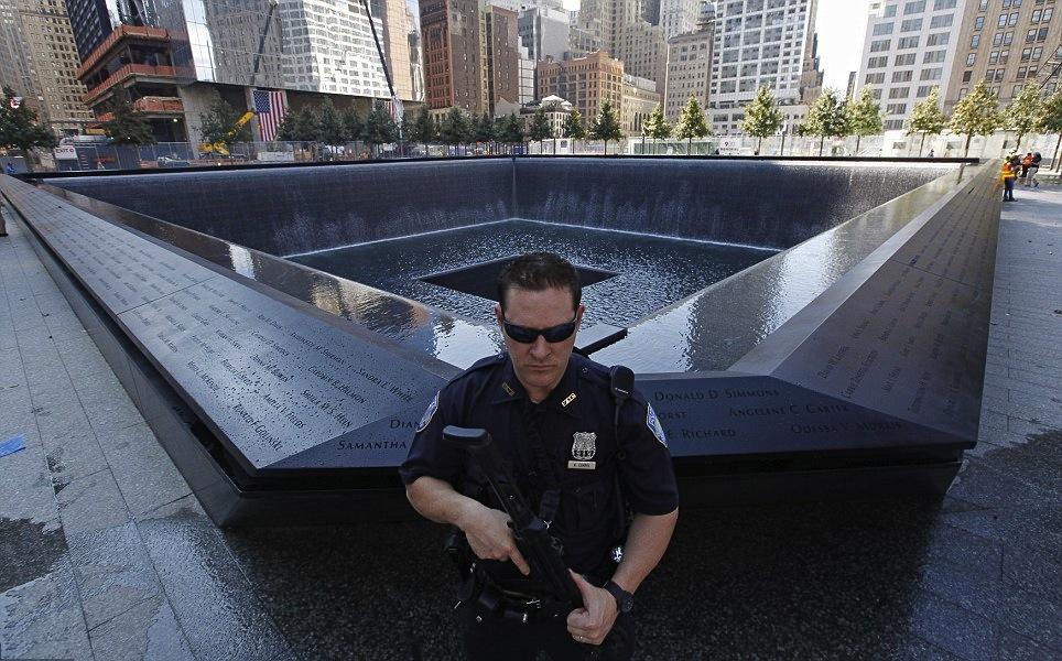 9 11 memorial ground zero6 the twist gossip - Ground zero pools ...