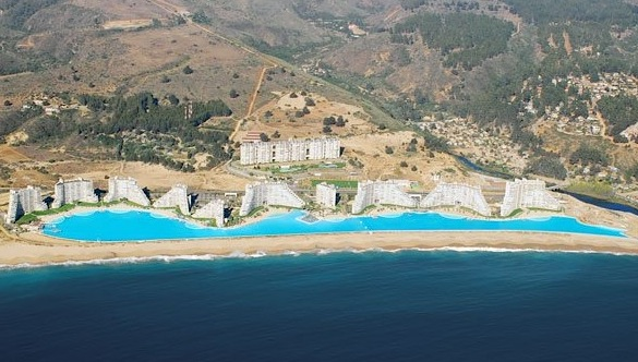 The world s largest pool needs to not be in chile the twist gossip for What is the biggest swimming pool in the world