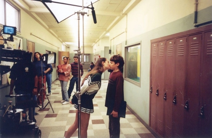 Freaks and Geeks set photo Smoocking and Mooching