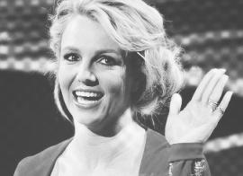 Britney Spears waving