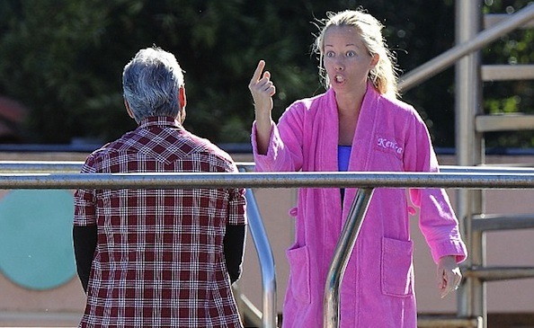 Kendra Wilkinson angry