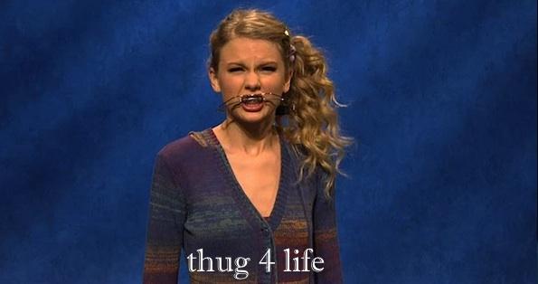 Taylor Swift braces