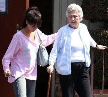Jennifer Love Hewitt Grandma