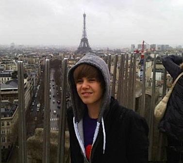 Justin Bieber Eiffel Tower