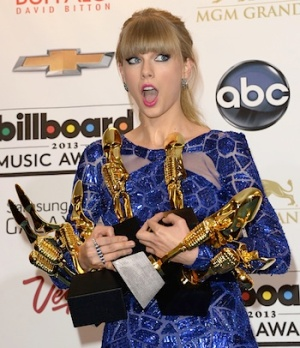 Taylor swift surprise Billboard awards