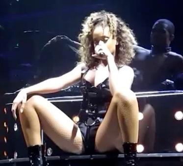 Rihanna asleep onstage