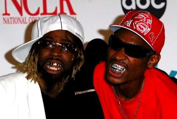 Ying yang twins teeth