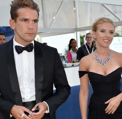 Scarlett Johansson ring fiance