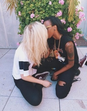 Ireland baldwin angel haze kiss
