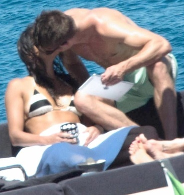 Michelle and Zac kissing